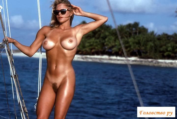 Курортница на яхте