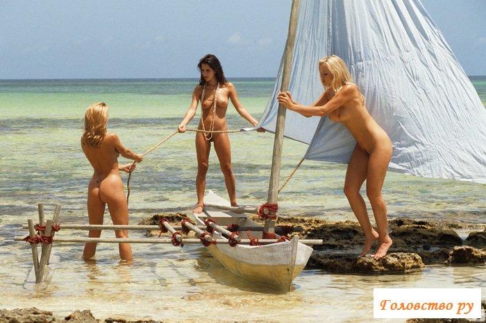 Дайвинг с голыми сиськами