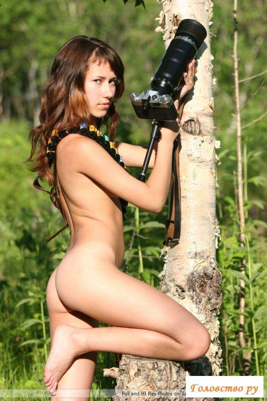 Фото обнаженной девочки-папарацци