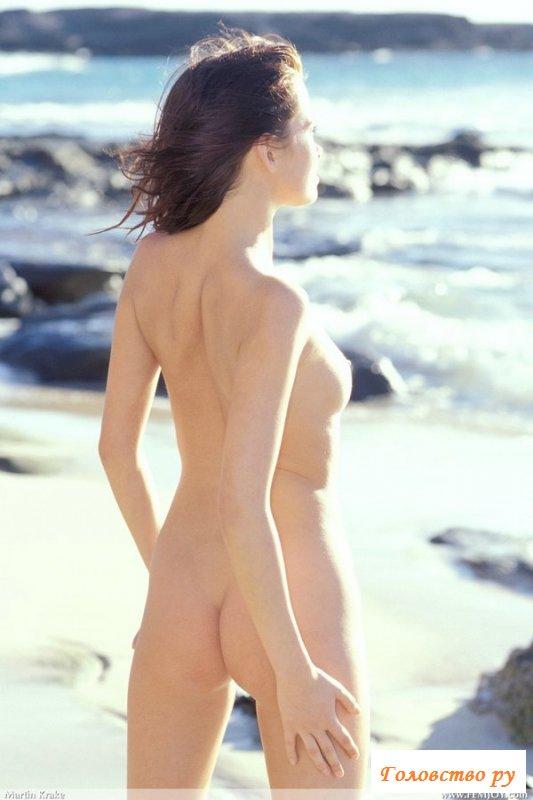 Сказочный отдых на море с обнаженной подругой