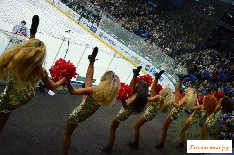 Прекрасно танцуют голые черлидерши