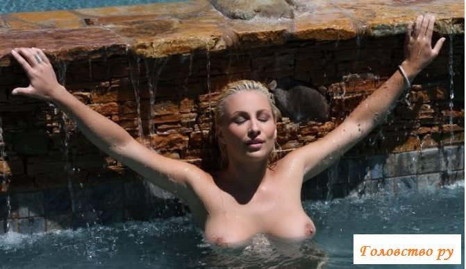 Эротика больших сисек сексуальной блондинки  (46 фото)