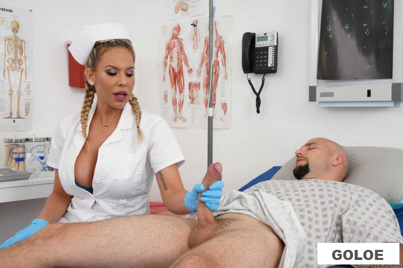 Порно с медработницей и пациентом