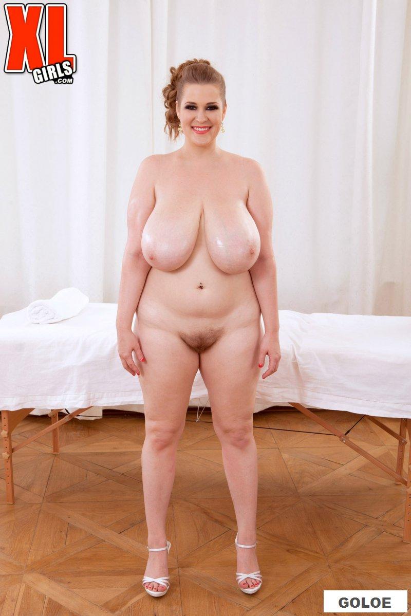 Голая жируха пришла на откровенный массаж
