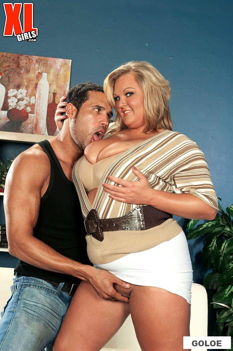 Порно с толстой зрелой женщиной и похотливым мужиком