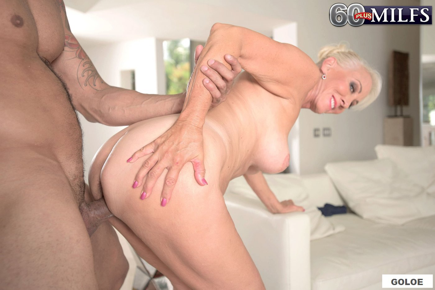 Анал старухи (порно фото)
