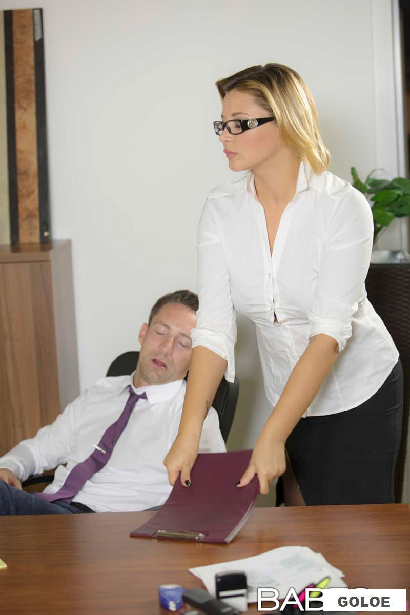 Секс с секретаршей