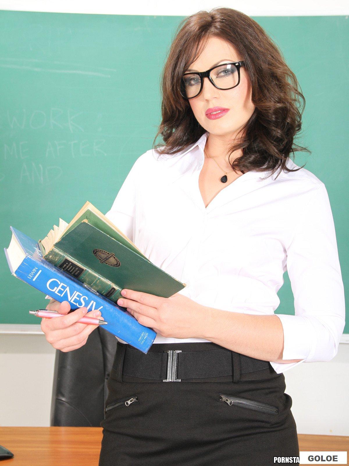 Ебут учительницу