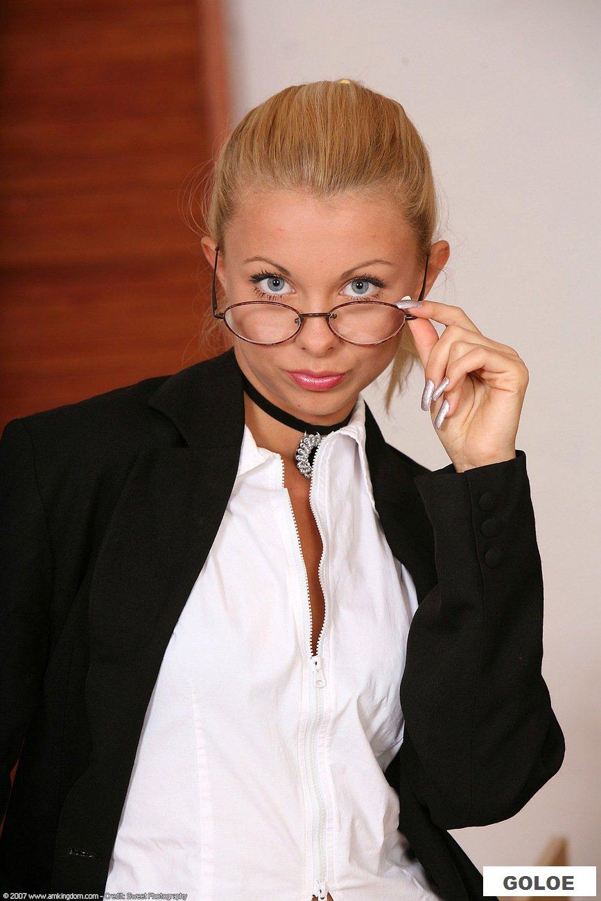 Эротика секретарши в чулках