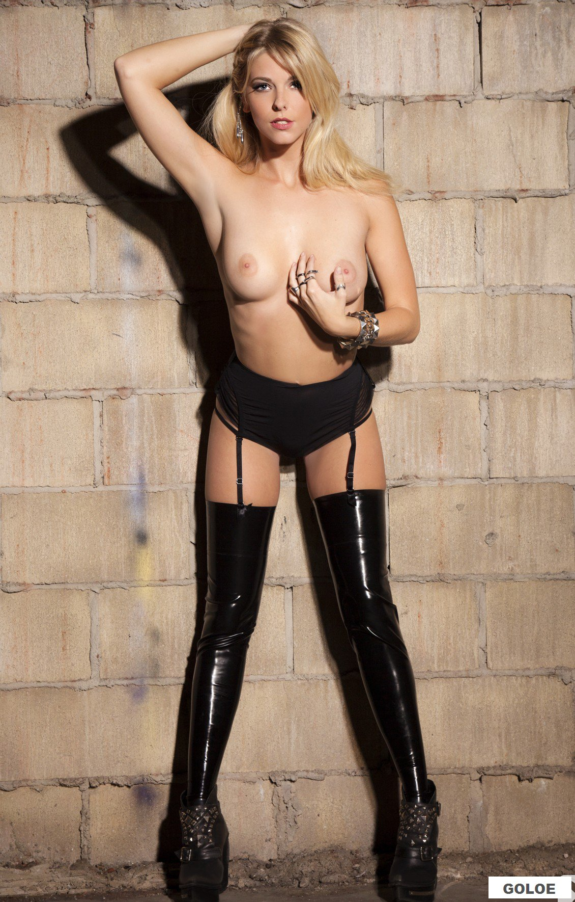 Голая сексуальная телка в Playboy