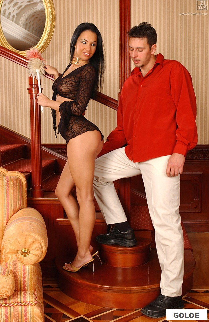 Поимел сексуальную домохозяйку